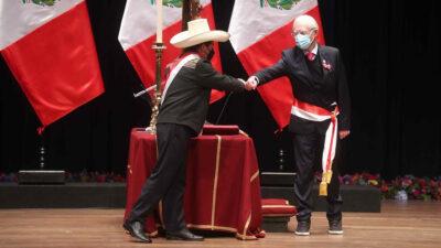 Ο Υπουργός Εξωτερικών του Περού Έκτορ Μπέχαρ με τον Πρόεδρο της Δημοκρατίας, τον Πέδρο Καστίγιο - Ιούλιος 2021