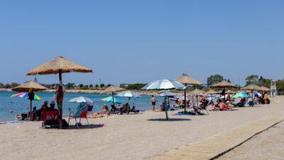 Καιρός- Καύσωνας - παραλία - ηλιοθεραπεία