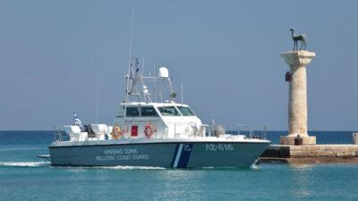 Πλωτό ΛΣ 616 του Λιμενικού Σώματος - Ελληνικής Ακτοφυλακής στο λιμάνι της Ρόδου