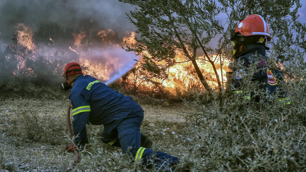 Πυροσβέστες - Πυρκαγιά στην Αρχαία Κόρινθο