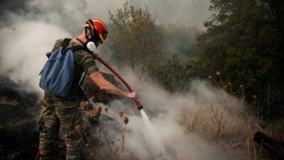 Συμβολή των Ενόπλων Δυνάμεων στην πυρκαγιά στην Βαρυμπόμπη - Πυροσβεστική