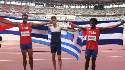 Οι τρεις Ολυμπιονίκες του Άλματος εις μήκος στο Τόκιο 2/8/21: Τεντόγλου (Ελλάδα), Echevarria (Κούβα), Masso (Κούβα)