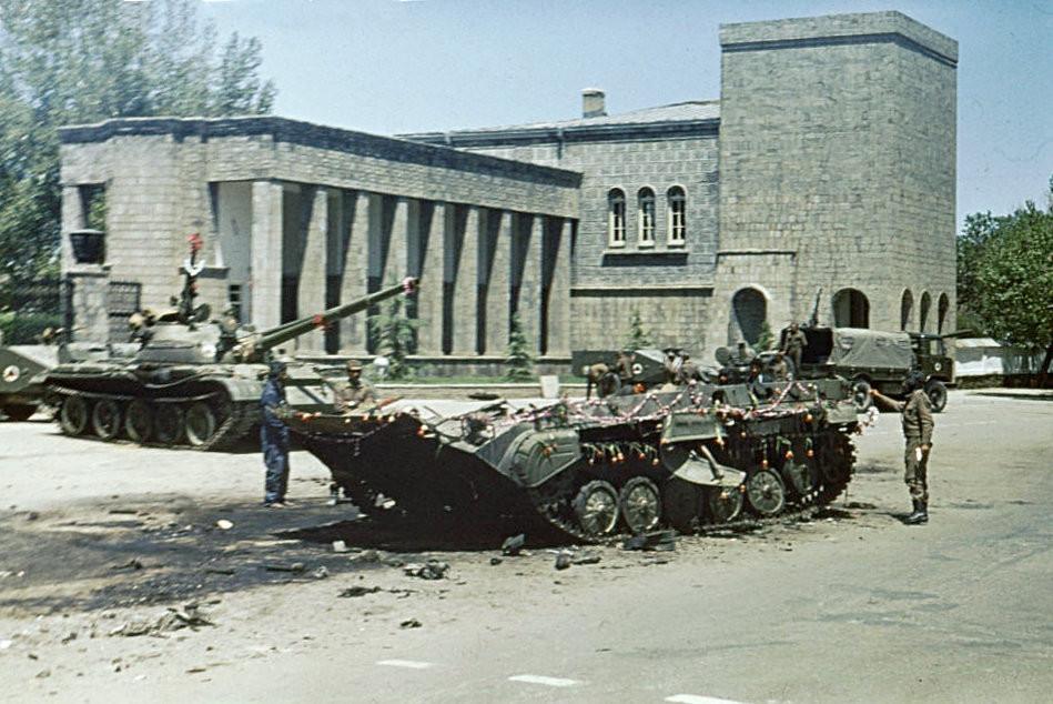 Η επόμενη μέρα από την Απριλιανή Επανάσταση του 27 και 28 Απριλίου 1978