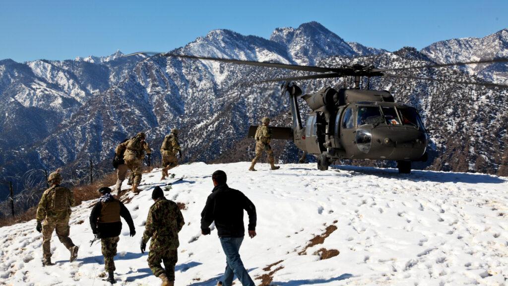 Στρατιώτες των ΗΠΑ στην επαρχία Κουνάρ του Αφγανιστάν - Φεβρουάριος 2012
