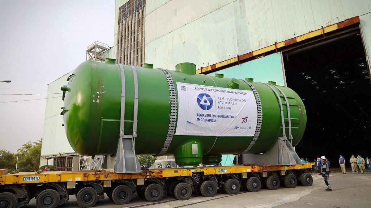 Φόρτωση των ατμογεννητριών που θα τοποθετηθούν στις εγκαταστάσεις του δεύτερου αντιδραστήρα του πυρηνικού σταθμού Ακουγιού στην Τουρκία / Εργοστάσιο «Atommash» - «Rosatom»