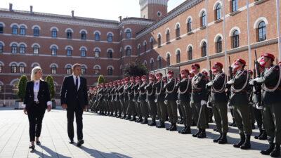 Επίσημη Επίσκεψη ΥΕΘΑ Νικολάου Παναγιωτόπουλου και Υπογραφή Μνημονίου Στρατιωτικής Συνεργασίας με την ΥΠΑΜ της Αυστρίας Κλαούντια Τάννερ.