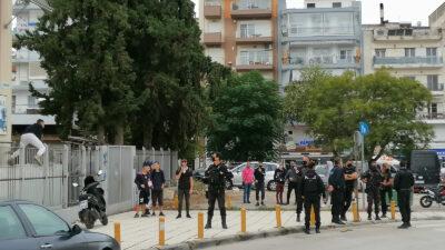 ΕΠΑΛ Σταυρούπολης: Φασίστες εισέρχονται στο προαύλιο ανενόχλητοι από την Αστυνομία
