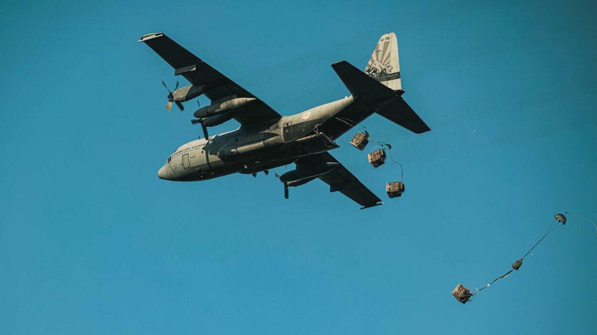 """Πολυεθνική άσκηση αλεξιπτωτιστών """"Falcon Leap 21"""" σε Ολλανδία και Βέλγιο με τη συμμετοχή της Ελλάδας"""