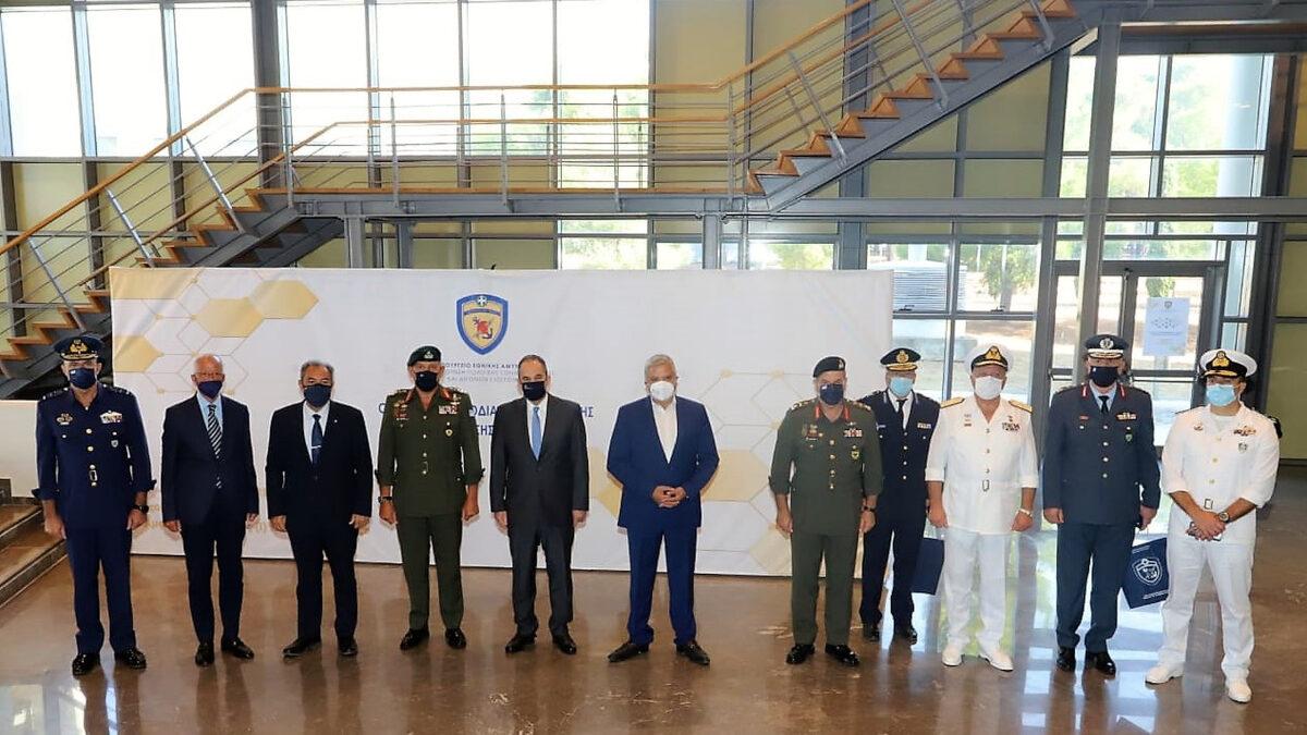 Την Τρίτη 7 Σεπτεμβρίου 2021, ο Αρχηγός ΓΕΕΘΑ Στρατηγός Κωνσταντίνος Φλώρος κήρυξε την έναρξη των εργασιών του Διυπουργικού Συνεδρίου με θέμα «Ο ρόλος της Εφοδιαστικής Πολιτικής σε Περίοδο Κρίσης και Πολέμου», το οποίο πραγματοποιείται στη Σχολή Ικάρων στο Τατόι με μέριμνα της Γενικής Διεύθυνσης Πολιτικής Εθνικής Άμυνας και Διεθνών Σχέσεων του Υπουργείου Εθνικής Άμυνας.
