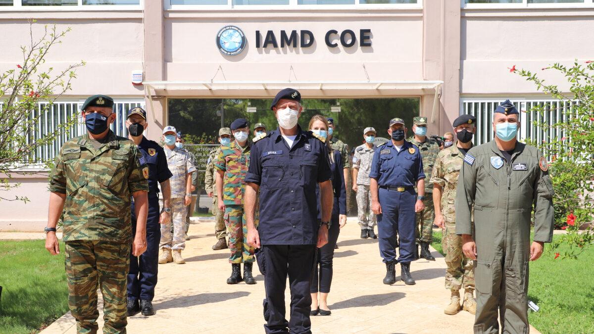 Την Παρασκευή 17 Σεπτεμβρίου 2021 ο Αρχηγός ΓΕΕΘΑ Στρατηγός Κωνσταντίνος Φλώρος και ο Πρόεδρος της Στρατιωτικής Επιτροπής του ΝΑΤΟ Ναύαρχος Rob Bauer (CMC) επισκέφθηκαν τις στρατιωτικές υποδομές της Σούδας στην Κρήτη. Παρασκευή 17 Σεπτεμβρίου 2021