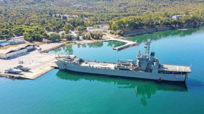 Αρματαγωγό Λέσβος (L-176) ετοιμάζεται για απόπλου για μεταφορά βοήθειας στο Λίβανο / 27/09/2021(EUROKINISSI/ΓΕΕΘΑ)
