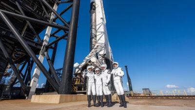 Πρώτη πτήση στο διάστημα με πολίτες από την Space-x