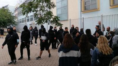 Νέα επίθεση φασιστοειδών έξω από σχολείο στη Σταυρούπολη