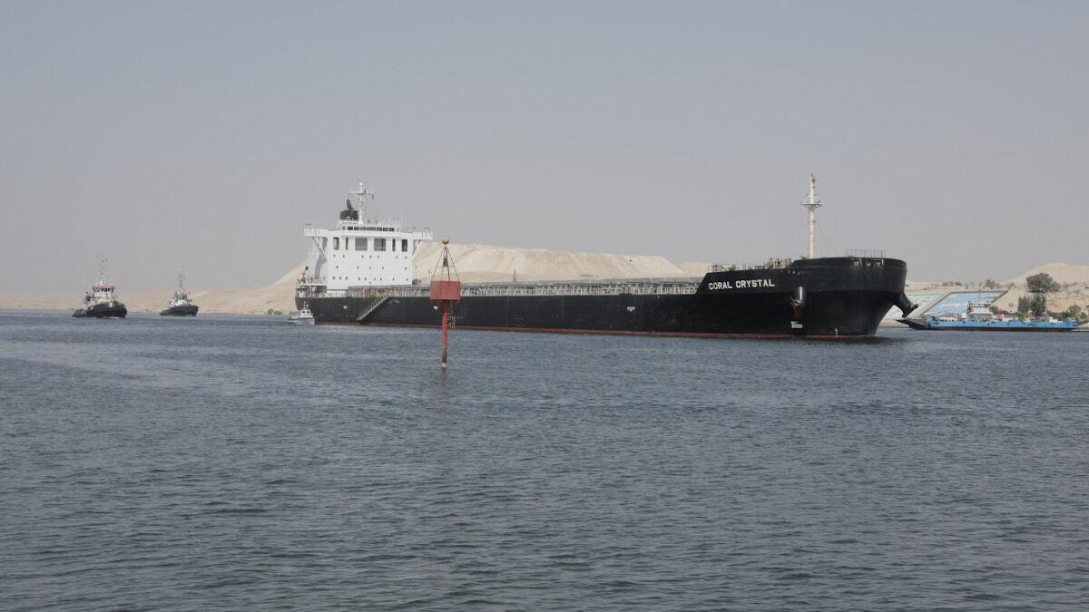 Το πλοίο μεταφορά κοντέινερ Coral Crystal μπλόκαρε για λίγες ώρες τη Διώρυγα του Σουέζ - 10/9/2021 / Η κίνηση αποκαταστάθηκε σύντομα
