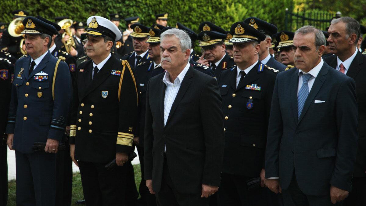Υπουργός Προστασίας του Πολίτη (Κυβέρνηση ΣΥΡΙΖΑ-ΑΝΕΛ) Νίκου Τόσκα,του Γ.Γ Πολιτικής Προστασίας και της ηγεσίαςΥπουργός Προστασίας του Πολίτη (Κυβέρνηση ΣΥΡΙΖΑ-ΑΝΕΛ) Νίκος Τόσκας, Γ.Γ Πολιτικής Προστασίας και η ηγεσία του Πυροσβεστικού Σώματος, Σάββατο 12 Νοεμβρίου 2016