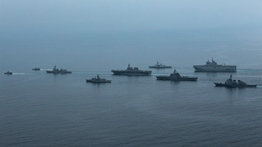 Άσκηση ARC-21 με τη συμμετοχή ναυτικών μονάδων της Γαλλίας, των ΗΠΑ, της Αυστραλίας και της Ιαπωνίας στα ανοιχτά της Ιαπωνίας στον Ειρηνικό Ωκεανό
