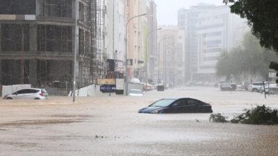 Πλημμύρες από τροπικό κυκλώνα που χτύπησε το Ομάν / Πηγή: Twitter/TRT