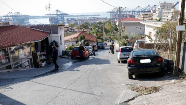 Το σημείο της αιματηρής καταδίωξης απο την Αστυνομία των Ρομά στο Πέραμα