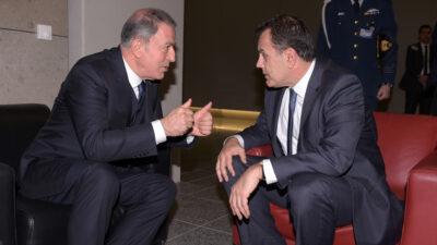 Συνάντηση του υπουργού Άμυνας Νίκου Παναγιωτόπουλου με τον υπουργό Άμυνας της Τουρκίας Χουλουσί Ακάρ στο ΝΑΤΟ στις Βρυξέλλες - 12/02/20