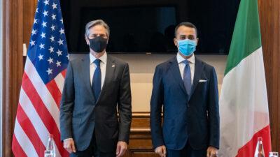 Ο Ιταλός Υπουργός Εξωτερικών Λούιτζι Ντι Μάιο,με τον Αμερικανό ομόλογό του Άντονι Μπλίνκεν