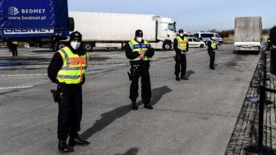 Γερμανοί αστυνομικοί στα σύνορα με την Πολωνία