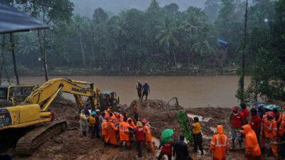 Καταστροφικές πλημμύρες στη Δυτική Ινδία
