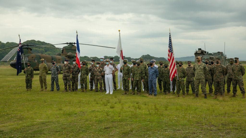 Αερομεταφερόμενα στρατεύματα στο πλαίσιο της Άσκησης ARC-21 με τη συμμετοχή ναυτικών μονάδων της Γαλλίας, των ΗΠΑ, της Αυστραλίας και της Ιαπωνίας στην Ιαπωνία