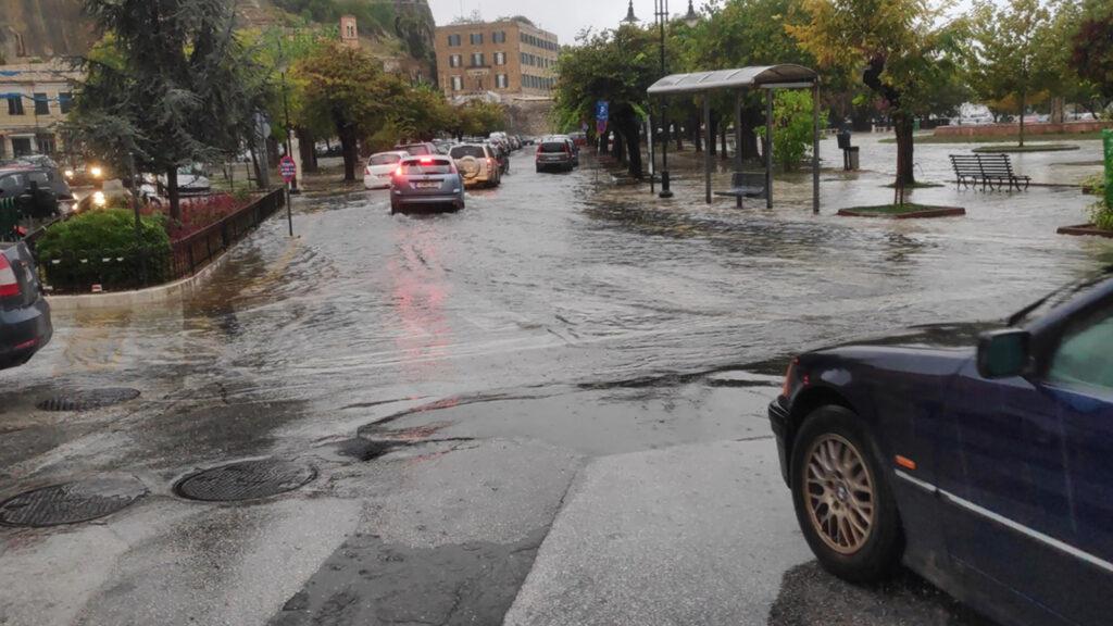 Κακοκαιρία Αθηνά έχει πλήξει τα νησιά του Ιονίου και την Ήπειρο ως το πρωί 8/10/2021