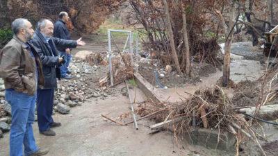 Ο Γιώργος Μαρίνος, μέλος του ΠΓ της ΚΕ του ΚΚΕ και βουλευτής Εύβοιας του Κόμματος, στην Αγ. Άννα μετά τις καταστροφικές πλημμύρες, Κυριακή 10/10/21