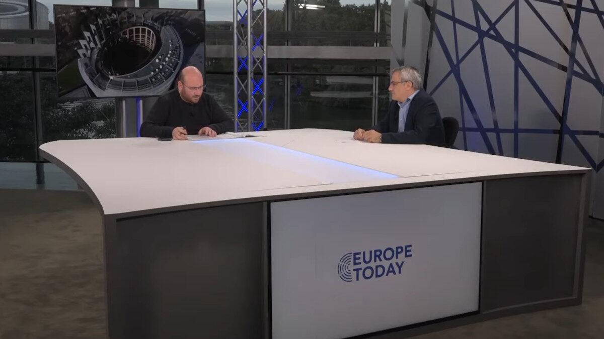 Ο Κώστας Παπαδάκης, μέλος της ΚΕ του ΚΚΕ και Ευρωβουλευτής