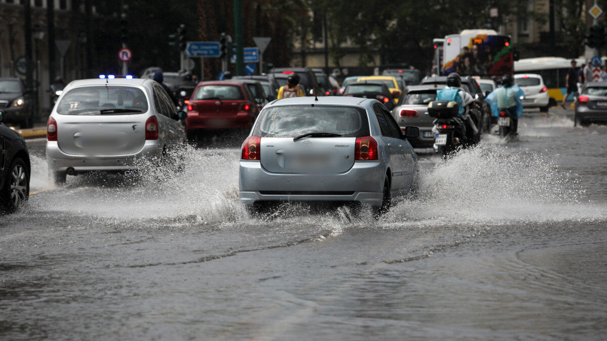 Βροχή - Πλημμυρισμένοι δρόμοι στην Αθήνα