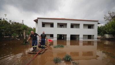 Πλημμύρες και καταστροφές από την έντονη βροχόπτωση στις πυρόπληκτες περιοχές της Β.Εύβοιας, στιγμιότυπα από την Αγία Άννα, Κυριακή 10 Οκτωβρίου 2021