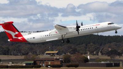 Επιβατικό αεροπλάνο των Αυστραλιανών Αερογραμμών QANTAS AIRWAYS