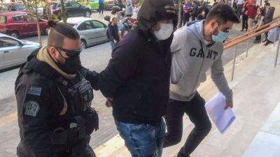 Ο 30χρονος φασίστας που συνελήφθη για την επίθεση σε μέλη του ΚΚΕ και της ΚΝΕ στη Θεσσαλονίκη