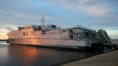 Το USNS YUMA μεταγωγικό του Αμερικανικού Ναυτικού