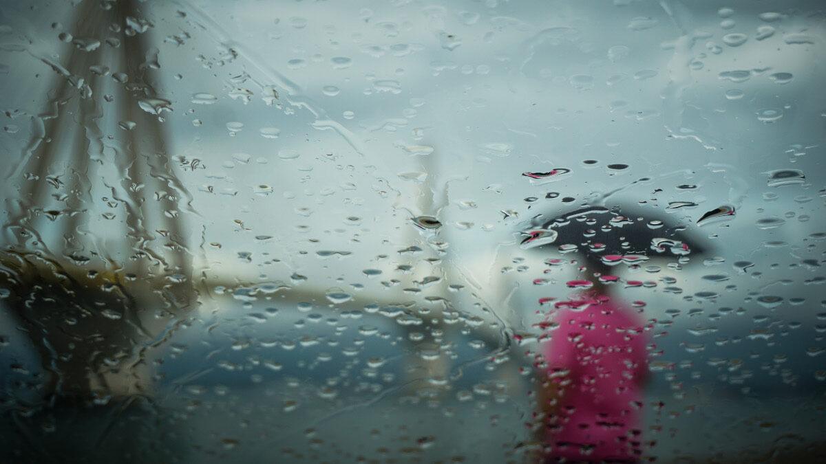 Βροχή στη Γέφυρα του Ρίου - Ομπρέλα - Πάτρα - καιρός