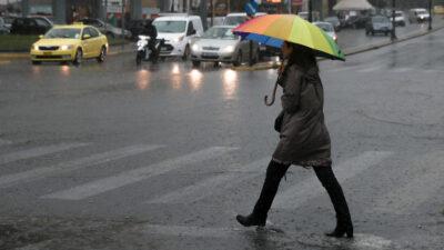 Ομπρέλα - Καιρός - δρόμος - Βροχή στη Νέα Ιωνία Αττικής